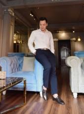 Louis Hoàng, 30, Vietnam, Ho Chi Minh City