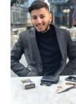 Emir, 19  , Istanbul