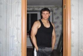anton pershin, 32 - Just Me
