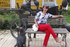 Veronika, 47 - Just Me