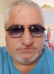 Maurizio, 57  , Giulianova