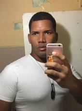 Israel Daniel, 30, República de Cuba, La Habana