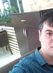 Nodir, 35  , Bukhara