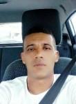 Walid, 38  , Al Marsa