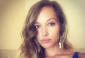 Liana, 33 - Just Me