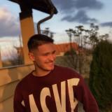 Arber, 20  , Pristina