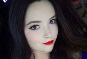 Alisa, 24 - Just Me