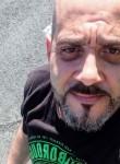 César, 41, Pamplona
