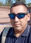 Ramírez Gonzalo , 38  , Santiago