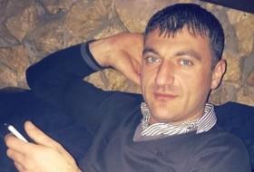 Tigran, 35 - Just Me
