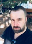 serdar, 37  , Istanbul