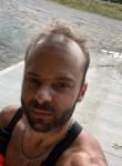 Frank, 36, Montreal
