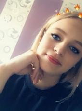 Sophie Coquelle, 19, France, Arras