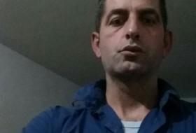 Gabriel, 42 - Just Me
