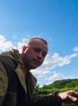 Viktor , 32  , Bugulma