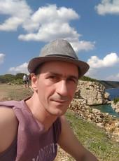 Engin, 43, Turkey, Istanbul