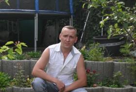 Vitalja, 41 - Just Me
