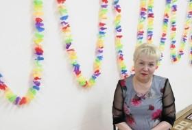 Elena , 64 - Just Me