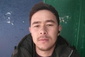 Shokir , 18 - Just Me