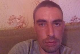 Zhenya, 35 - Just Me