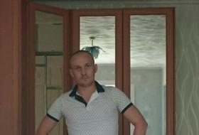 Nikita, 34 - Just Me