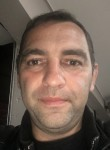 Slavik, 41  , Lyon
