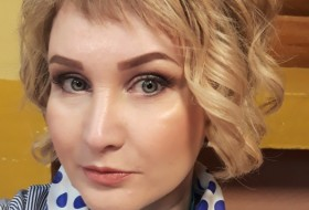 Anyuta, 40 - Just Me