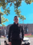 mahmoud, 19  , Milano