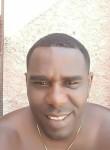 Lázaro, 38, Camaguey