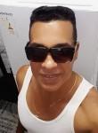 Raphael, 43, Havana
