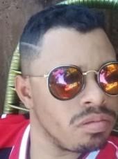 Maicon , 25, Brazil, Tres Lagoas