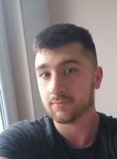 Leo, 22, France, Dijon