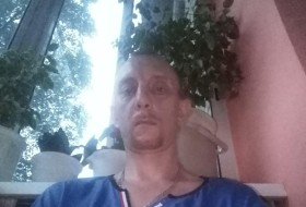 Vladimir , 44 - Just Me