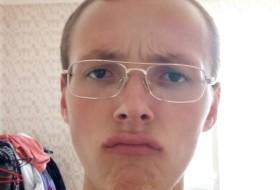 Denis, 19 - Just Me