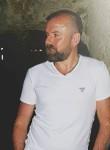 Yiğit, 39  , Istanbul