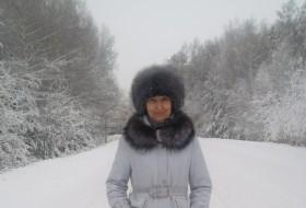 Elena, 57 - Just Me