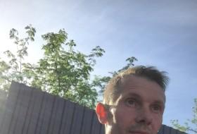 Pavel, 47 - Just Me