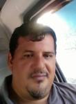 Roberto, 40  , San Salvador
