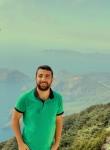 Tunç, 25, Istanbul
