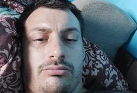 Darijan, 27 - Just Me