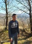 Nemanja, 18  , Podgorica