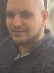 Faouzi, 35  , Bondy