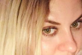 Alla, 39 - Just Me