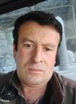 Luis, 45  , Santiago