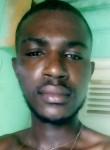 Mário, 18  , Luanda