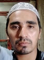 Salih, 21, Pakistan, Karachi