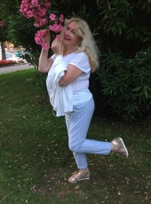 Elena, 56, Russia, Saint Petersburg