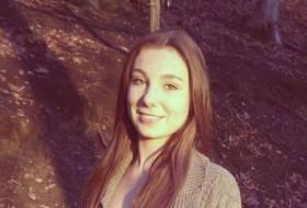 Alissa, 19 - Just Me