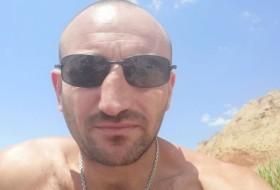 Mikhail , 37 - Just Me
