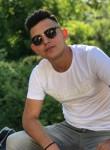 Umut , 20  , Pinarhisar